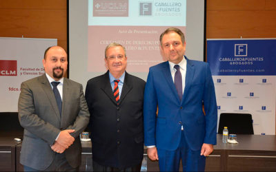 """II Certamen de Derecho Público """"Caballero & Fuentes"""""""