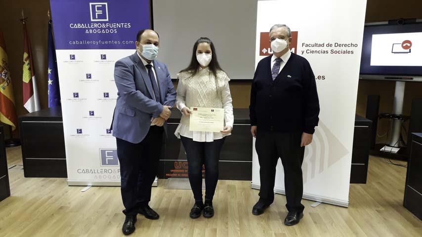Entrega Premio Caballero & Fuentes Abogados al mejor Trabajo de Fin de Grado en Derecho Público